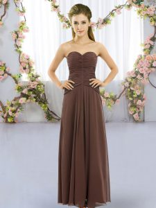 Sweetheart Sleeveless Quinceanera Dama Dress Floor Length Ruching Brown Chiffon