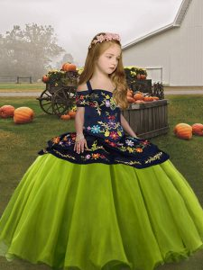 Custom Designed Embroidery Girls Pageant Dresses Olive Green Lace Up Sleeveless Floor Length