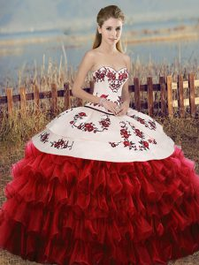 New Style White And Red Lace Up Sweetheart Embroidery and Ruffled Layers and Bowknot Sweet 16 Quinceanera Dress Organza Sleeveless