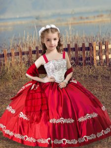 Satin Straps Sleeveless Lace Up Beading and Embroidery Pageant Gowns For Girls in Coral Red