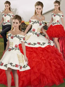Best White And Red Ball Gowns Off The Shoulder Sleeveless Organza Floor Length Lace Up Embroidery and Ruffles 15 Quinceanera Dress