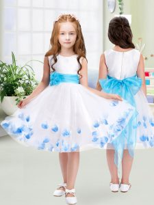 A-line Flower Girl Dresses for Less White Scoop Tulle Sleeveless Knee Length Zipper