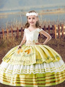 Yellow Little Girls Pageant Dress Wholesale Wedding Party with Embroidery Off The Shoulder Sleeveless Lace Up