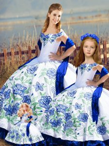 Fashionable Blue And White Ball Gowns Embroidery and Ruffles Quinceanera Gown Lace Up Satin Sleeveless Floor Length