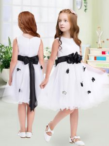 Suitable White Sleeveless Tulle Zipper Flower Girl Dress for Wedding Party