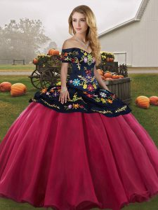 Deluxe Embroidery Quince Ball Gowns Red And Black Lace Up Sleeveless Floor Length