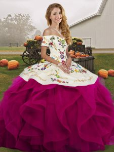 High End Off The Shoulder Sleeveless Tulle Sweet 16 Quinceanera Dress Embroidery and Ruffles Lace Up