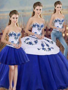Sweetheart Sleeveless Tulle 15 Quinceanera Dress Embroidery and Bowknot Lace Up