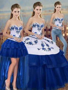 Royal Blue Three Pieces Embroidery and Bowknot Quince Ball Gowns Lace Up Tulle Sleeveless Floor Length