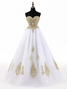White Sweetheart Lace Up Beading and Appliques Quinceanera Dresses Sleeveless