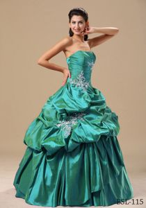 Appliques Decorate Bodice and Pick-ups Quinceanera Dresses Gowns