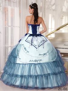 Navy Blue Embroidery Decorated for Quinceanera Gown Dresses