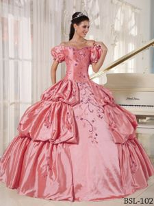 Bubble Sleeves for off the Shoulder Embroidery Quinceanera Dress