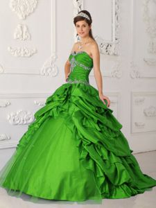 Ruching and Beading Appliques 2013 Sweet Sixteen Dresses in Green