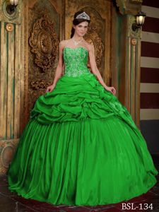 2013 New Taffeta Pick-ups Beaded Green Quinceanera Gowns