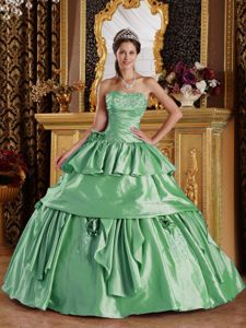 New Style Taffeta Ball Gown Beaded Green Sweet Sixteen Dresses