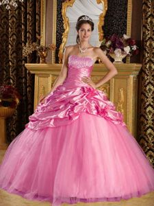 New Arrival Rose Pink Sweet 15 Dresses with Beading and Flowers