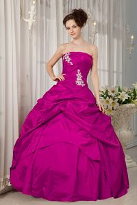 Fuchsia Ball Gown Strapless Appliques Sweet 15 Dresses