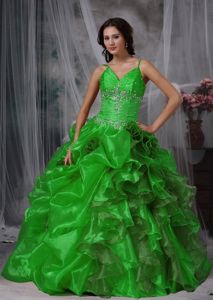 Grass Green Spaghetti Straps Ruched Quince Dresses with Ruffles