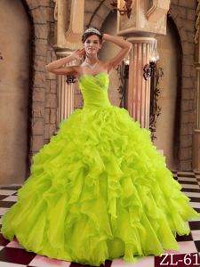 Yellow Green Sweetheart Beaded Quince Dresses with Ruffles