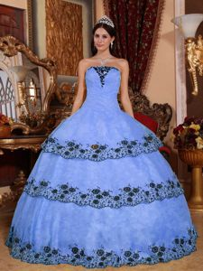 Lace Hem Decorated Strapless Quinceanera Dresses Custom Made