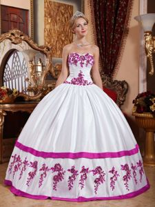 Attractive Appliques Sweetheart White Sweet 15 Dresses in Taffeta