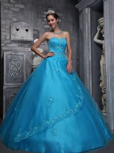 Elegant Sweetheart Appliques Dresses for a Quince on Promotion