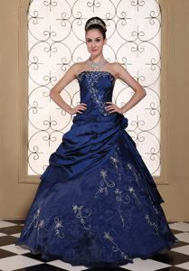 Embroidery Strapless Navy Blue Sweet 15 Dresses Custom Made
