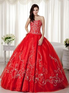 Beautiful Red Strapless Embroidery Quinceanera Gowns in Organza