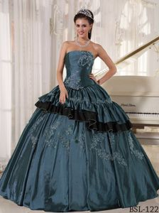 Strapless Beading Appliques and Pleats Tiered Quinceanera Dresses