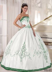 Simple Strapless White and Green Embroidery Sweet 15 Dresses