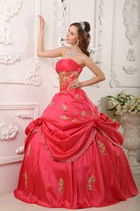 Coral Red Princess Appliques and Pick-ups Accent Sweet 15 Dresses