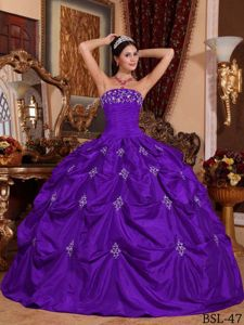 Purple Ruched Bust Strapless Appliques Pick-ups Quinceanera Gowns