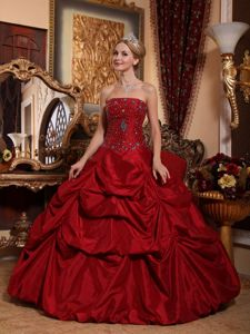 Wine Red Taffeta Beaded Dresses for Quince with Pick-ups