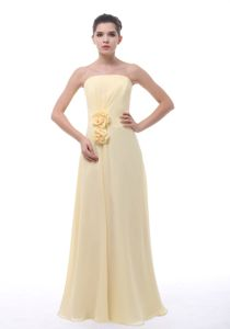 Chiffon Light Yellow Dama Quince Dress with Hand Made Flowers