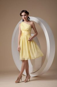 One Shoulder Light Yellow Dama Dress with Ruches in Chiffon