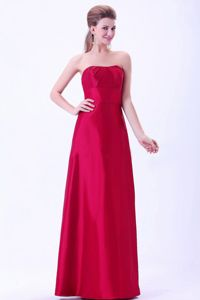 Strapless Wine Red Quinceanera Dama Dress with Pleat in Taffeta