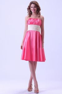 Hot Pink Knee-length Quince Dama Dress With Ruches in Taffeta