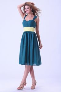 Blue Dama Dress in Knee-length with a Sash and Straps