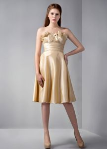 Elegant Empire Strapless Knee-length Gold Dama Dress with Ruches