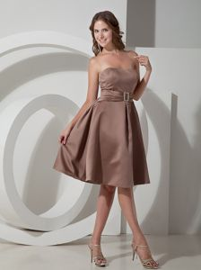 Elegant Brown Empire Strapless Asymmetrical Dama Dress with Belt