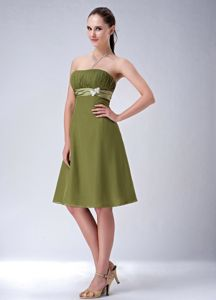 Empire Strapless Olive Green Knee-length Dama Dress with Ruches