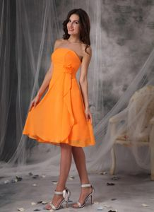 Orange Strapless Knee-length Dama Dress with Handmade Flowers