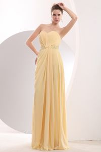 Light Yellow Sweetheart Brush Train 15 Dresses For Damas Beaded