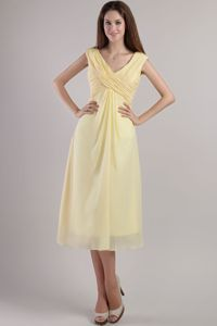 The Most Popular Light Yellow Empire V-neck Tea-length Dama Dresses