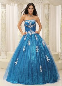 Wonderful Paillette Decorate Dresses for Sweet 15 with Appliques