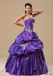 Qualified Purple Strapless Dresses for Quinceanera with Appliques