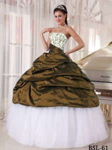 Stylish Strapless Beading Embroidery Quinces Dress with Pick-ups
