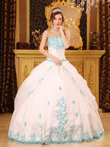 Princess White Sweetheart Appliques Dresses for Quince in Taffeta