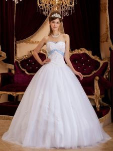 Simple White Sweetheart Tulle Dresses for a Quince with Appliques